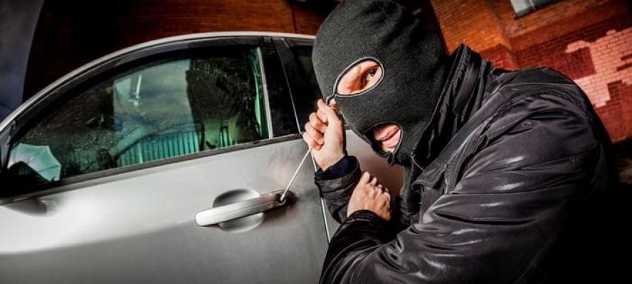 ثلاثة أشياء تحمي سيارة شركتك من السرقة