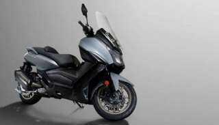 """"""" Maxsym 400"""" دراجة نارية بقوة 34 حصانا"""